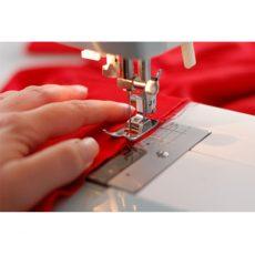 Joustavien materiaalien ompelussa tarvittavat tukikankaat, kuminauhat, vetoketjut, napit ja nepparit